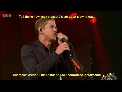 Interpol- Evil (Live, Lyrics y Subtitulado al Español) HD