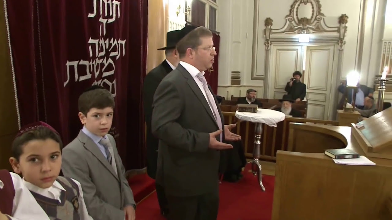 See Inside a Berlin Synagogue's First Rosh Hashanah After World War II