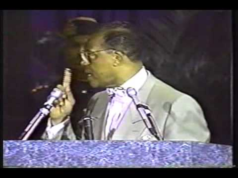 Minister Farrakhan speaking on Malcolm X going to Mecca and White muslims
