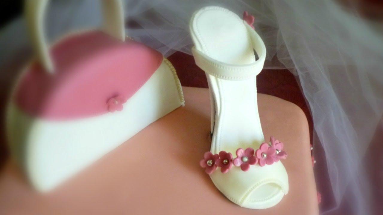 Decorazioni pasta di zucchero (Sugar paste shoe) by ItalianCakes