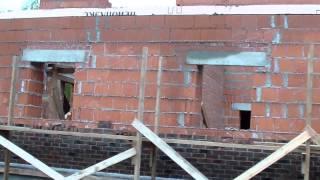 Отчет со стройки Малое Репино (второй объект, октябрь 2015)(Краткий видеоотчет со строительства дома в Малом Репино (октябрь 2015) Строительство домов из газобетона,..., 2015-10-01T17:18:55.000Z)