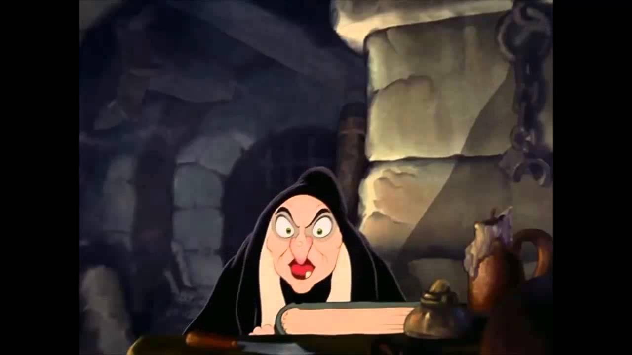 Bruxa Enfeitiçando A Maçã Da Branca De Neve Youtube
