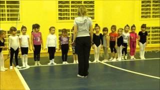 Первая тренировка гимнасток