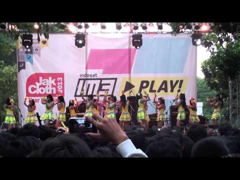 [FANCAM] JKT48~BINGO ! at JakCloth 05-12-2013