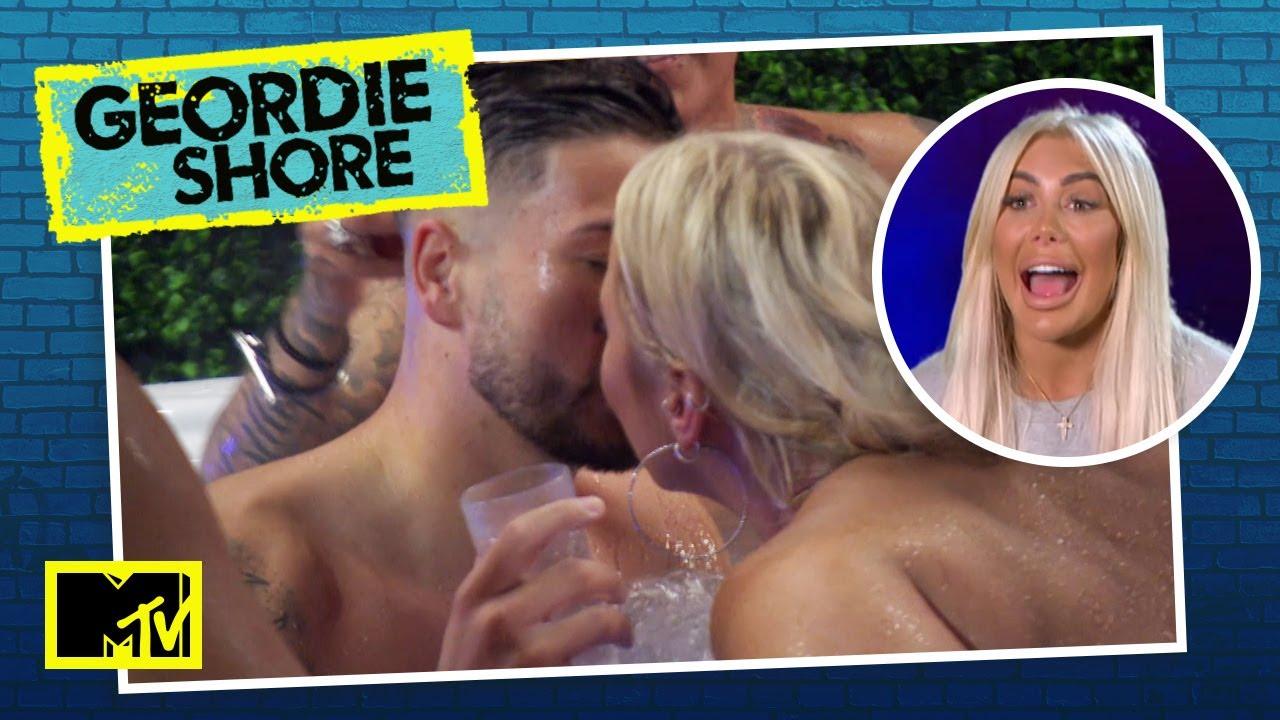EPISÓDIO 1: Novatos chegam e Chloe volta com tudo solteira na balada!   MTV Geordie Shore T21