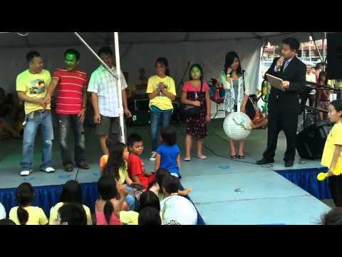 Vietnamese Karaoke Contestants