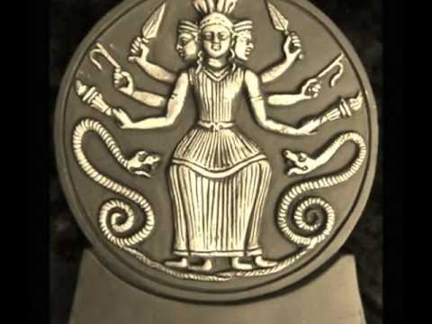 Hecate: Queen of the Witches (Triple Goddess)