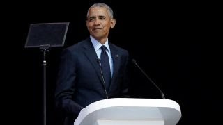 Obama takes aim at Trump during Chicago speech