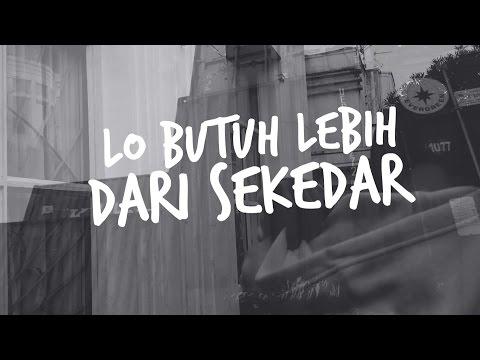 Andysra - Berbeda ft. Kikok Spoocky (Lyric Video)