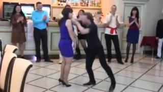 Безумный танец на свадьбе