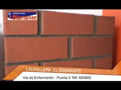 Ladrillera el diamante como asentar el ladrillo youtube for Pared de 15 ladrillo comun