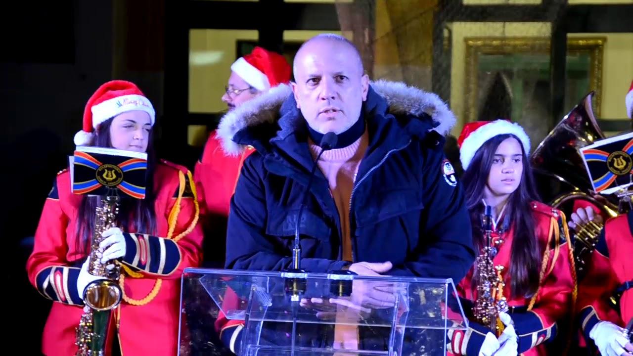 Μια μεγάλη γιορτή στο άναμμα του Χριστουγεννιάτικου δέντρου στην Τρίπολη