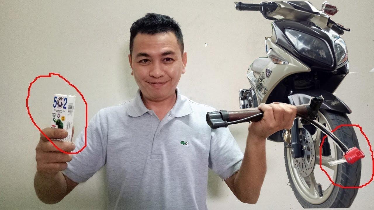 Cách vá lốp không săm xe máy bằng keo 502 rẻ nhất nhanh nhất VN