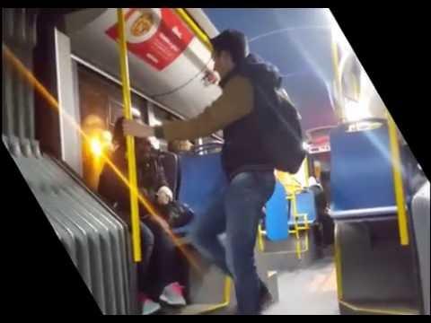 Plemeniti dečko poklanja patike ženi koja prosi - 28.11.16. / Man helps the homeless in Belgrade
