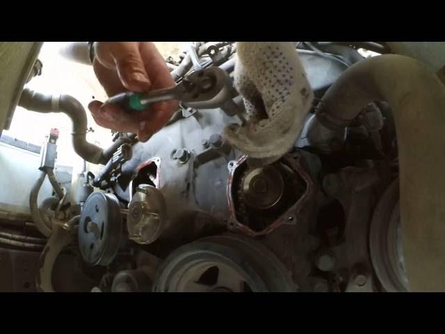 Фото к видео: Замена помпы на двигателе VQ25DE