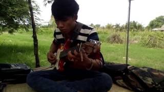 văn phụng đàn guitar