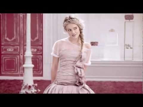 Florrie Arnold - Sunday Girl (videoclip)