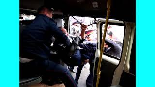 В Уральск е полицейские жестко расправились с протестом  21 сентября