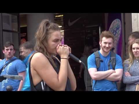 Amazingly skilled beatboxing girl at Oxford Street