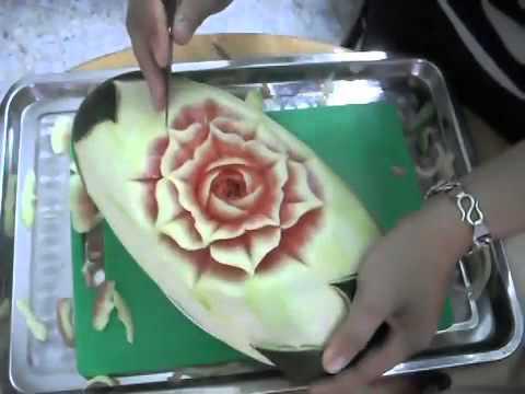 Cắt tỉa hoa cơ bản trên dưa hấu