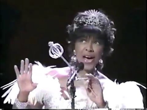 """Natalie Cole sings """"Optimistic Voices"""" from The Wizard of Oz in Concert"""
