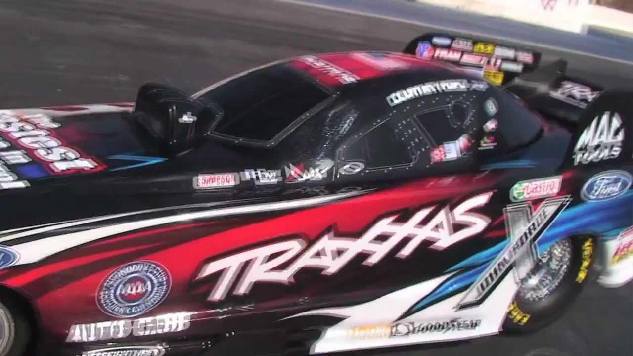 Traxxas Funny Car - YouTube