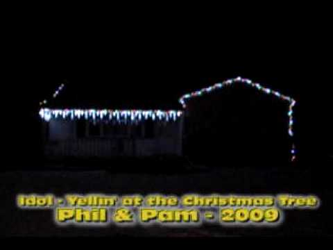 Synchronized Christmas Lights - Billy Idol - Yellin' at the Christmas Tree