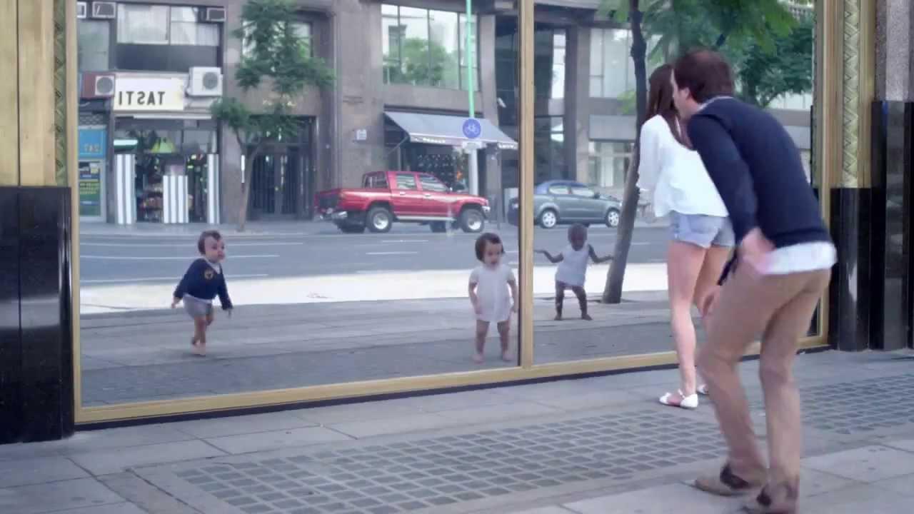 Erwachsene Werden Zu Baby S Und Tanzen Evian Werbung
