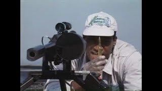 Саботаж фильм, 1996 Марк Дакаскос пытается поймать киллера на аэродроме