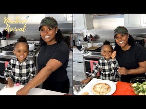 Keshia Knight Pulliam & Daughter Ella Make Pizza's! 🍕