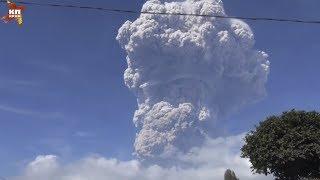 Мощное извержение вулкана произошло на Суматре