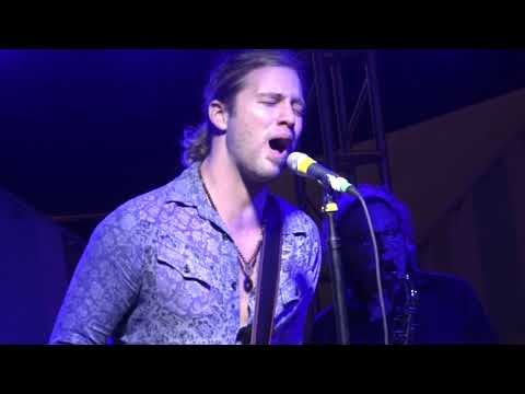 Casey James: Drowning on Dry Land