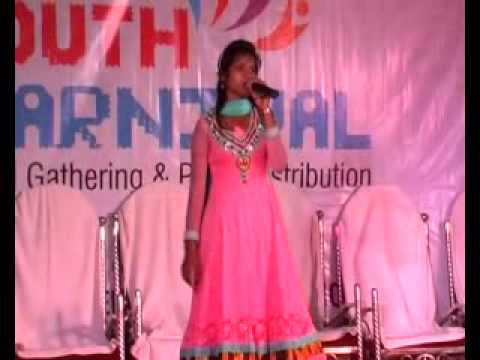 girl-singing-in-youth-carnival-gathering-d.-p.-vipra-college-c.g.