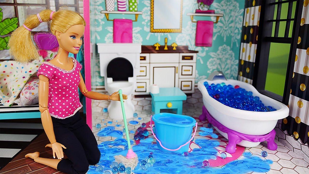 Video e giochi per bambini. Una giornata con la bambola Barbie. La casa di Barbie