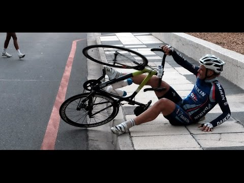 Cape Town Cycle Race stopped because of windy conditions.