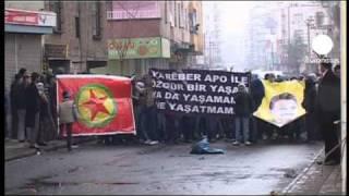 Turquia: polícia dispersa manifestação curda