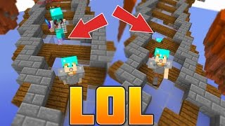 the INVISIBLE FLOOR TRAP...! (Minecraft SKY WARS TRAPS / TROLLING)