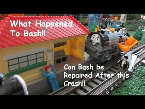 unboxing-thomas-friends-toy-train-trackmaster-crash-repair-bash!