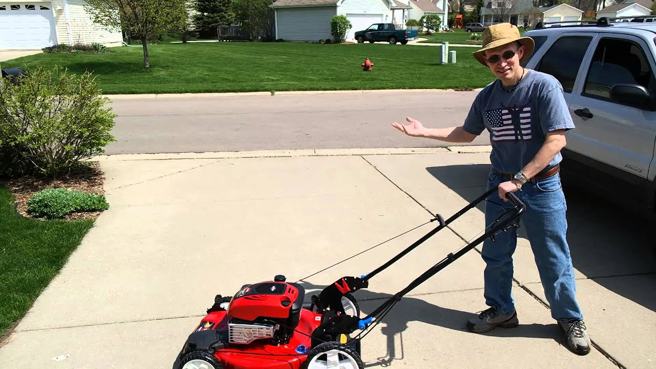Toro Recycler with SmartStow Mower Review