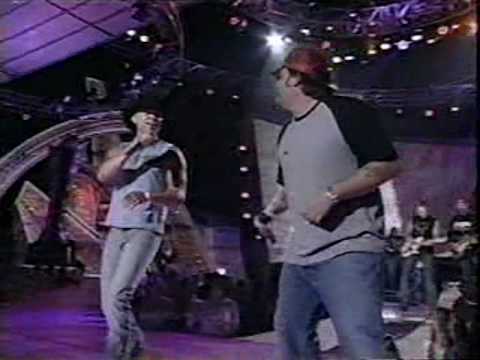 Kenny Chesney & Uncle Cracker - When The...