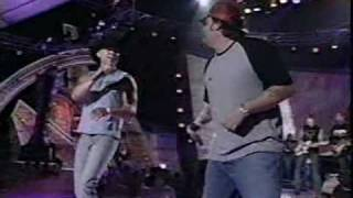 Download Kenny Chesney & Uncle Cracker - When The Sun Goes Down (LIVE) MP3 song and Music Video