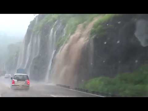 Cloud Burst On Mumbai-Pune Expressway