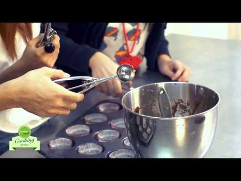 [HD] Kitchen Art Cooking Show # 16: Cupcake chocolate hình mạng nhện