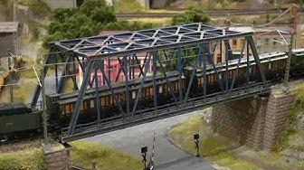 Märklin G5/5 [Item 39550] Bayerische Bulle crossing steel bridge
