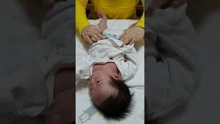 신생아 기저귀 가는법 …