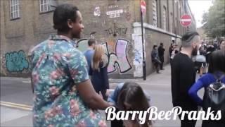 Anjir!! Cowok Negro Dapat Ciuman Cewek Seksi