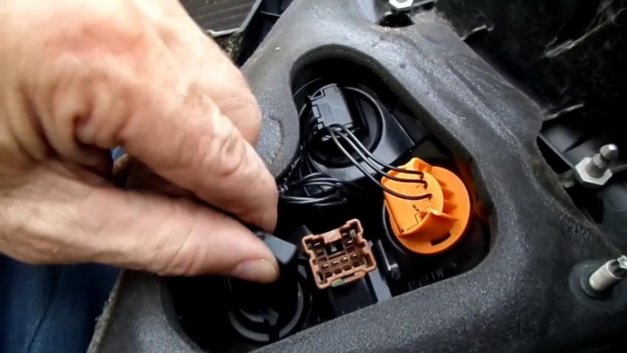 small resolution of nissan versa tail brake light bulb housing replacement