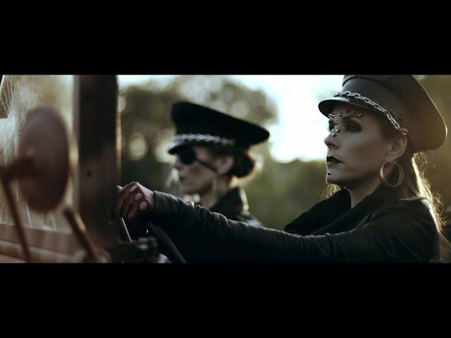 HOOLIGANS •  EVOLÚCIÓ :: Official Music Video - Hooligans