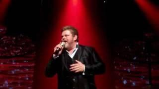 """Stig Rossen og Anna David synger """"Let Love Be Love"""" (Olinerne)"""