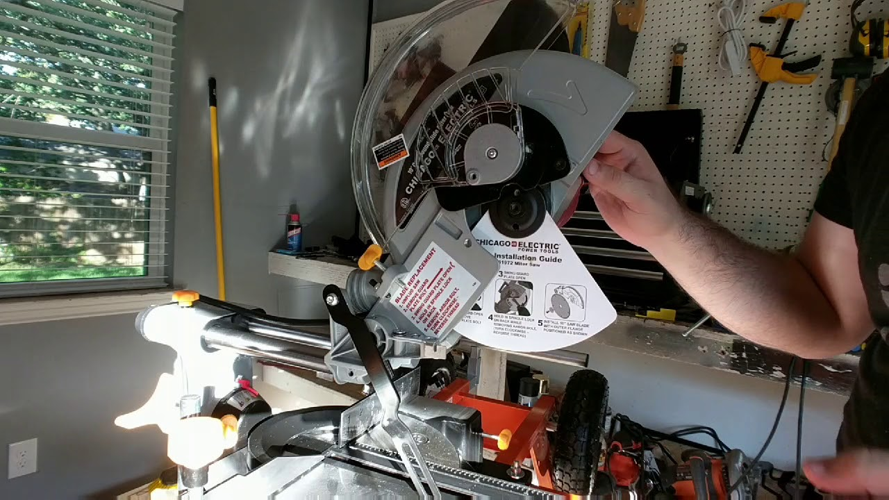 Replace Saw Blade In Chicago Electric